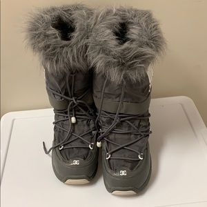 DC ski boots / heavy winter boots size Large
